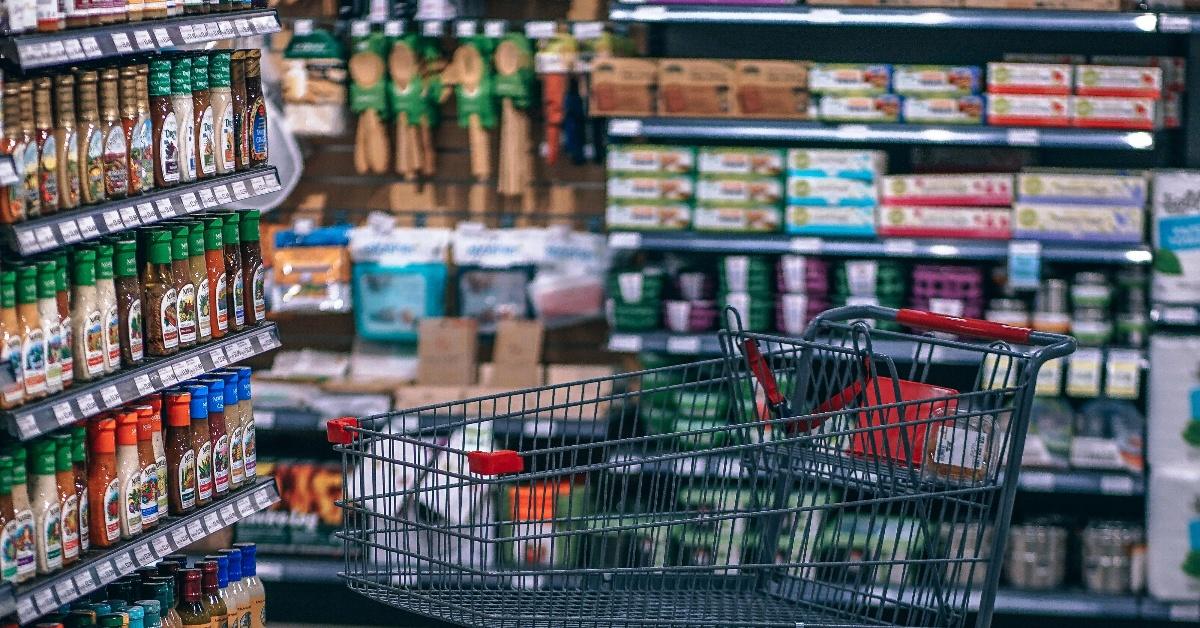 aisle-buy-cart-811105-1